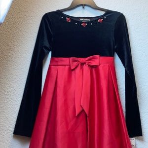 NWOT Emily West black and red holiday dress C-32